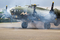Flying Fortress B17 - Sally B